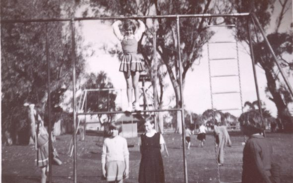Claremont Primary School students in Claremont Park (1957)