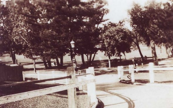 Claremont Park entrance off Bay View Terrace (1920s)